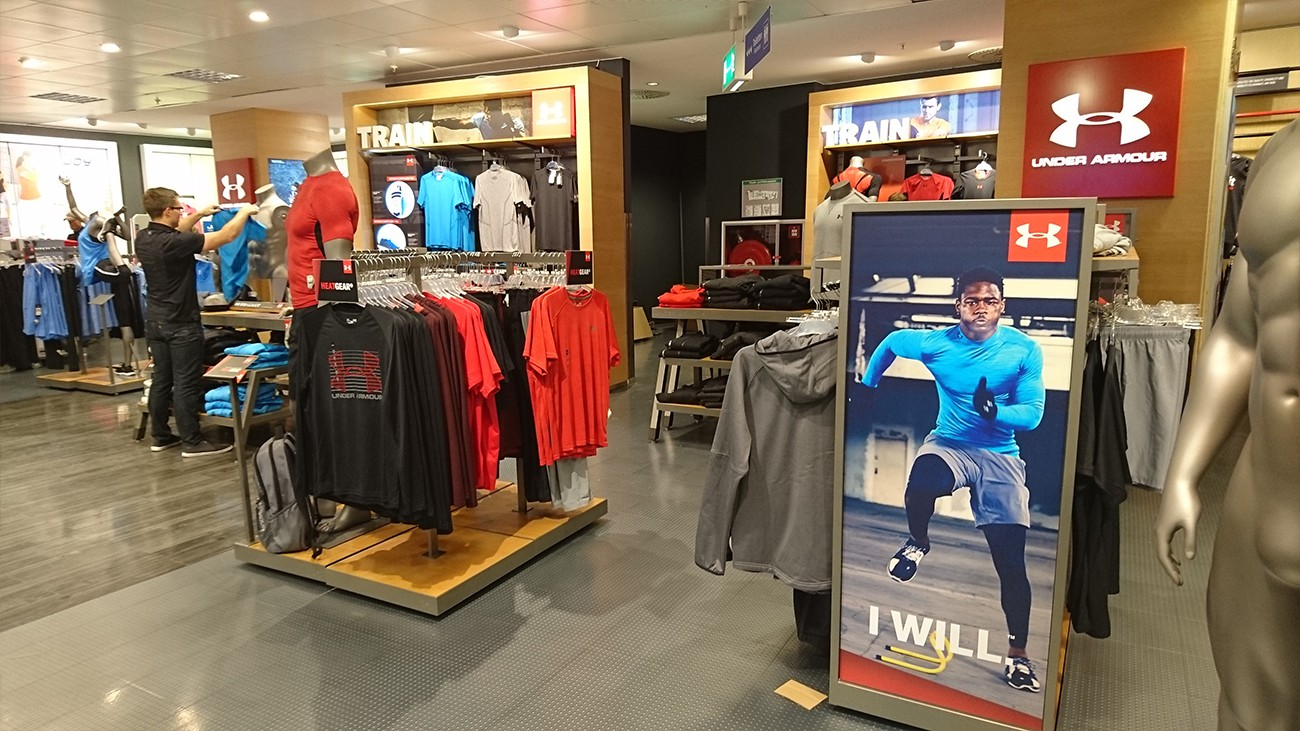 under-armour-shop-in-shop-02